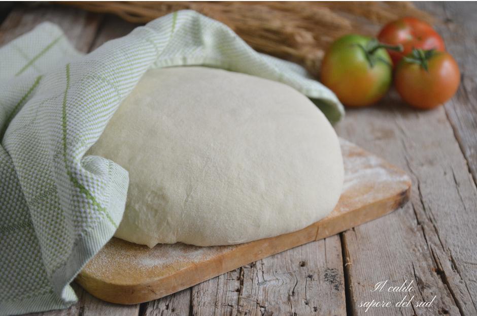 Impasto semplice di semola rimacinata per pane, pizze, scacciate e focacce