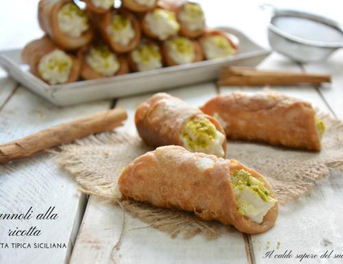 Cannoli alla ricotta ricetta siciliana
