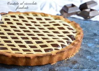 Crostata al cioccolato fondente con frolla friabile e delicata