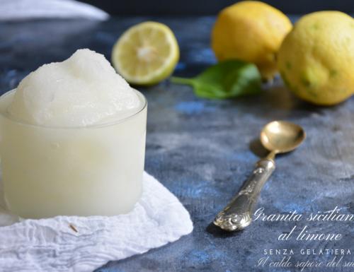 Granita siciliana al limone facile senza gelatiera
