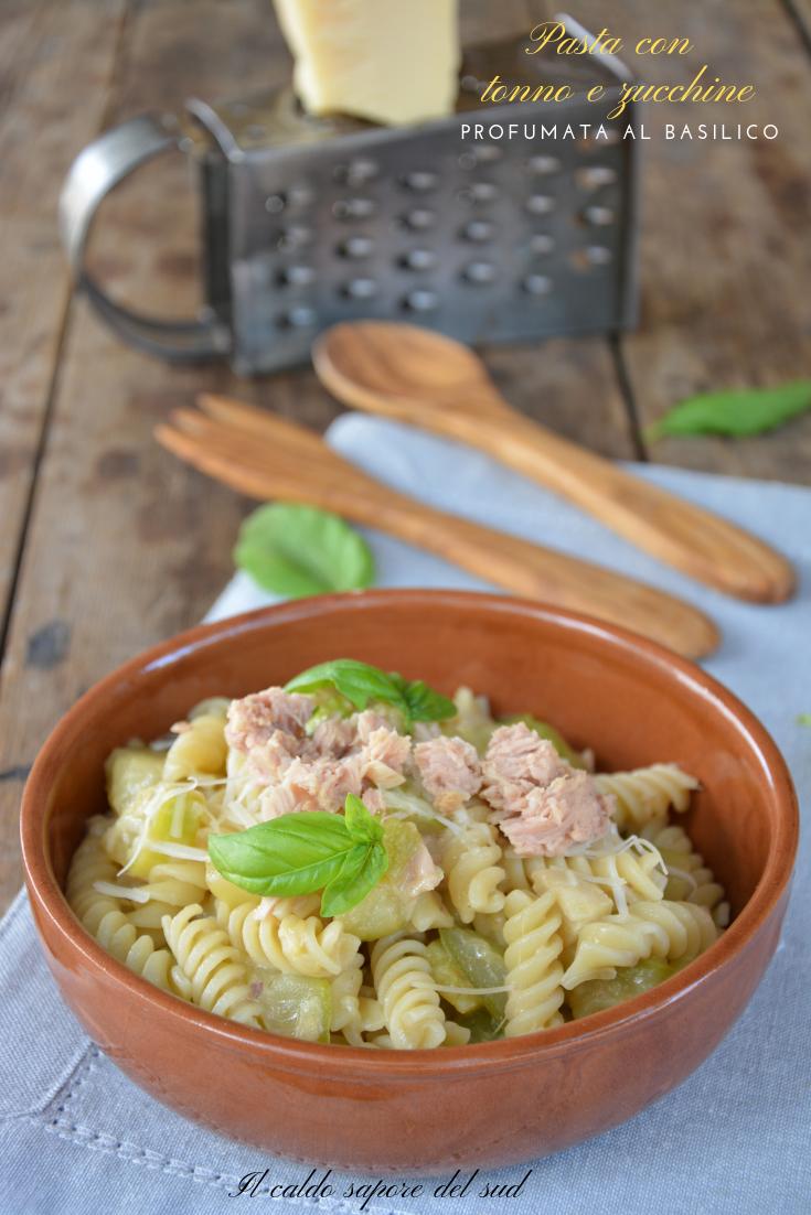 Pasta con tonno e zucchine profumata al basilico