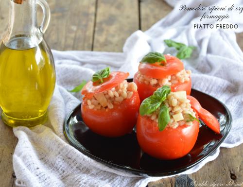 Pomodori ripieni di orzo e formaggio piatto freddo