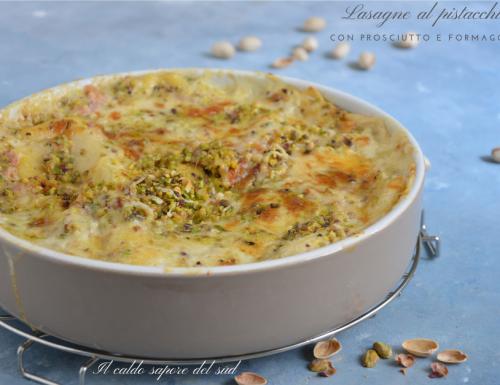 Lasagne al pistacchio con prosciutto e formaggio