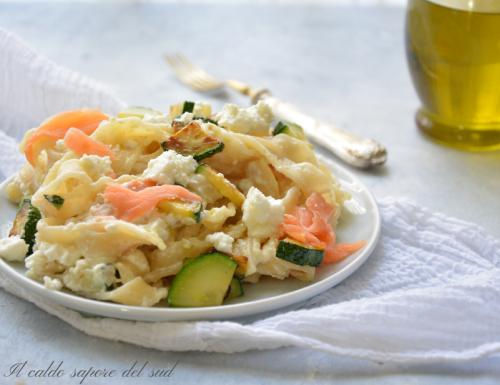 Pasta con salmone zucchine e ricotta