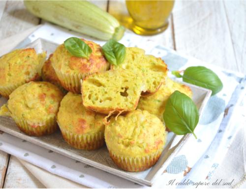 Muffins salati alle zucchine e provola