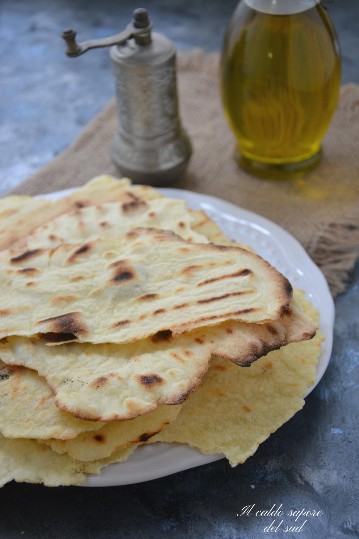 Foglie di pane croccanti veloci e senza lievito