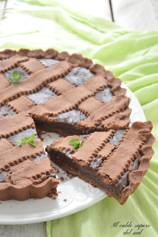 Crostata al cioccolato fondente con frolla al cacao