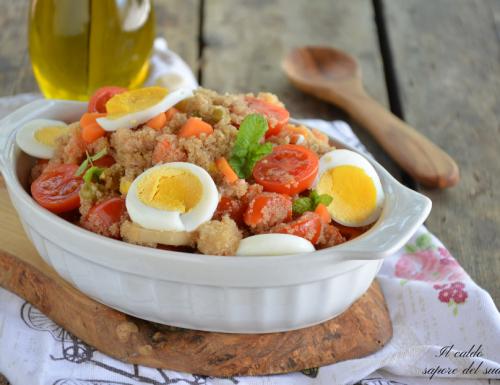 Insalata di amaranto con verdure e uova