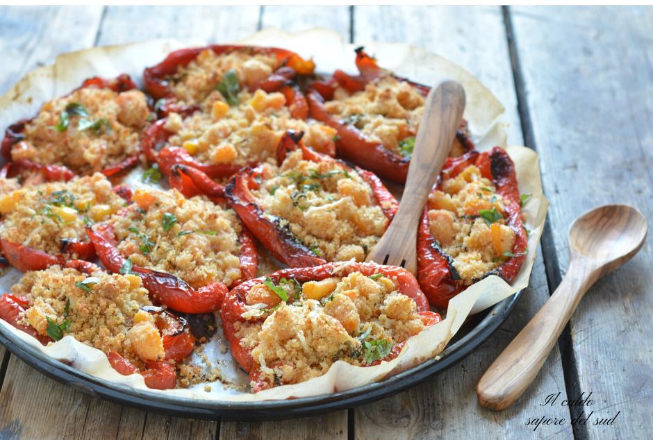 Peperoni gratinati con parmigiano e pomodori