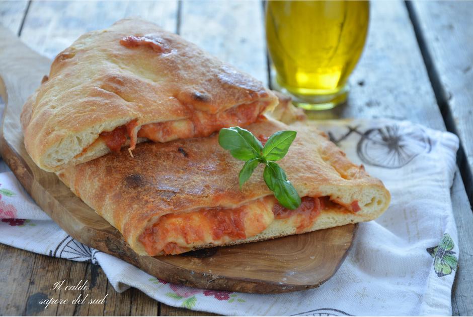 Calzone rustico con impasto per pizza