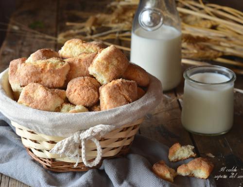 Biscotti da inzuppo con strutto e ammoniaca ricetta siciliana