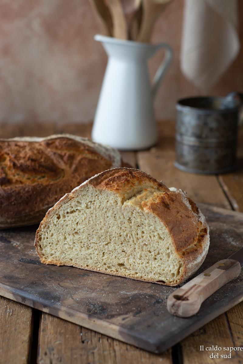 Pane integrale di semola con poco lievito