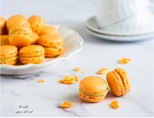 Macaron ripieni al pistacchio e cioccolato bianco