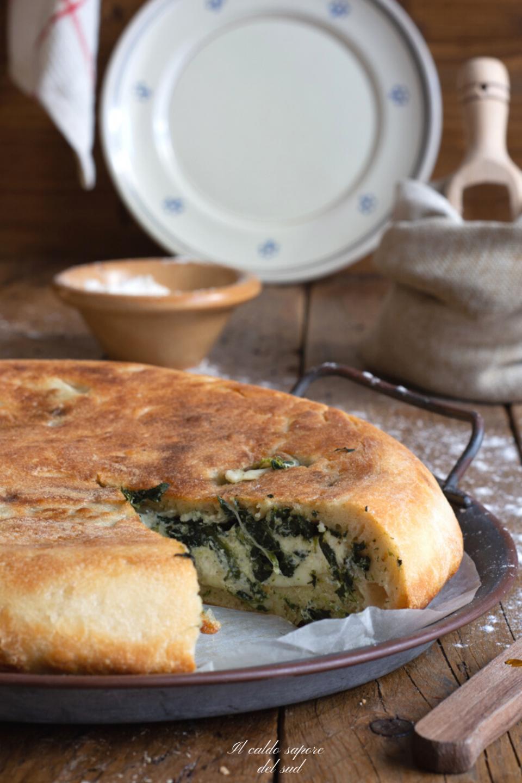 Torta salata di ricotta e spinaci cotta in padella