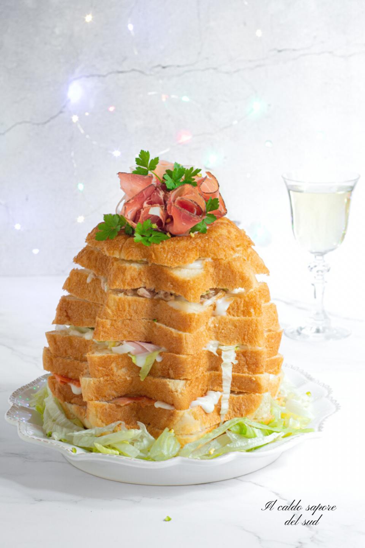 Pandoro salato farcito ricetta facile e senza uova