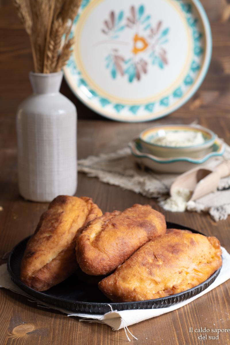 Siciliane fritte al pistacchio rosticceria siciliana
