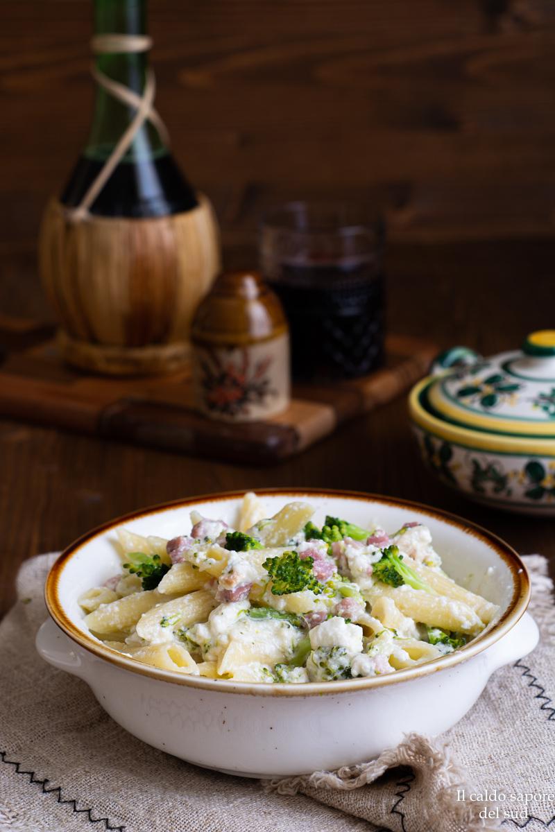 Pasta broccoli ricotta e pancetta