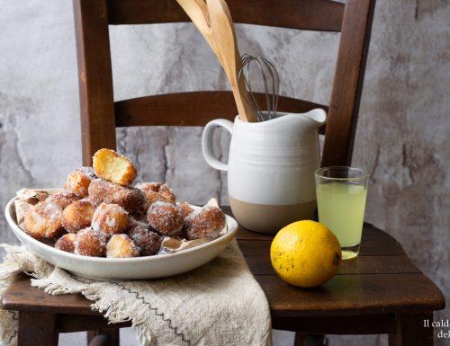 Castagnole morbide alla ricotta e limoncello