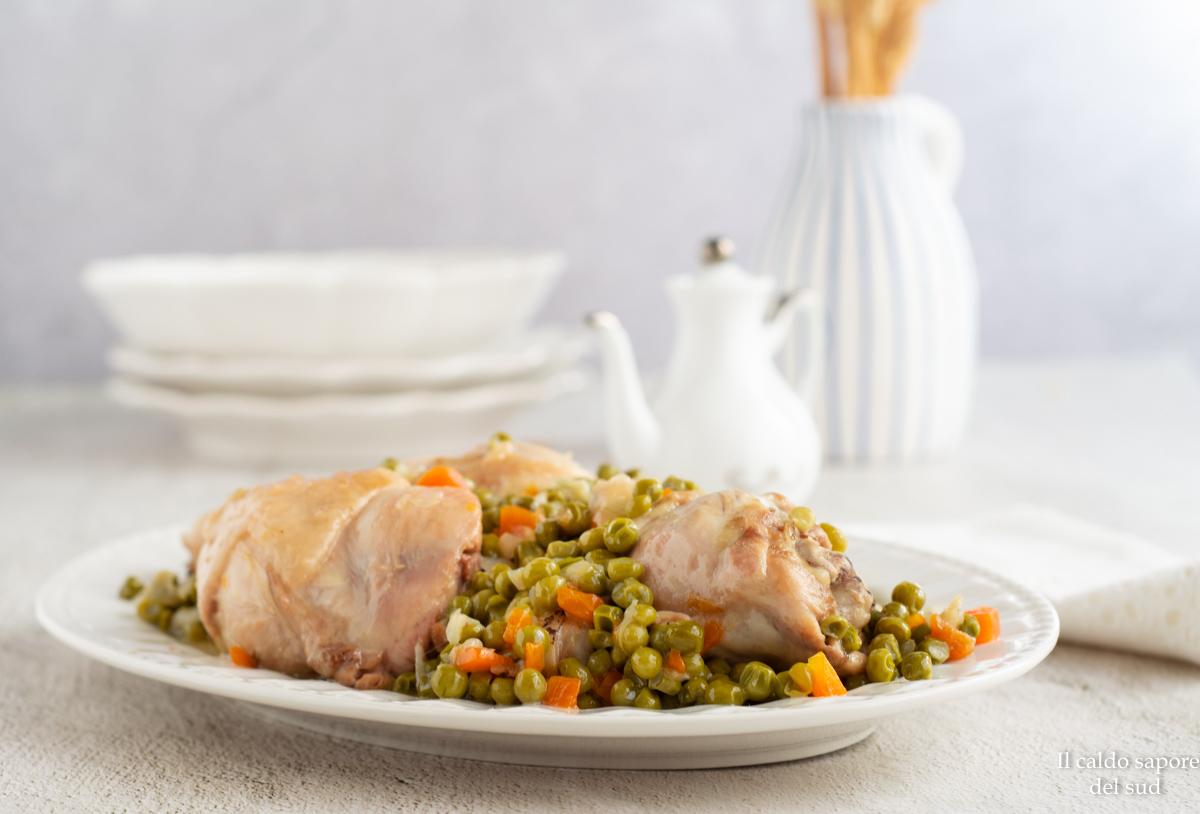 Pollo in umido con piselli e carote