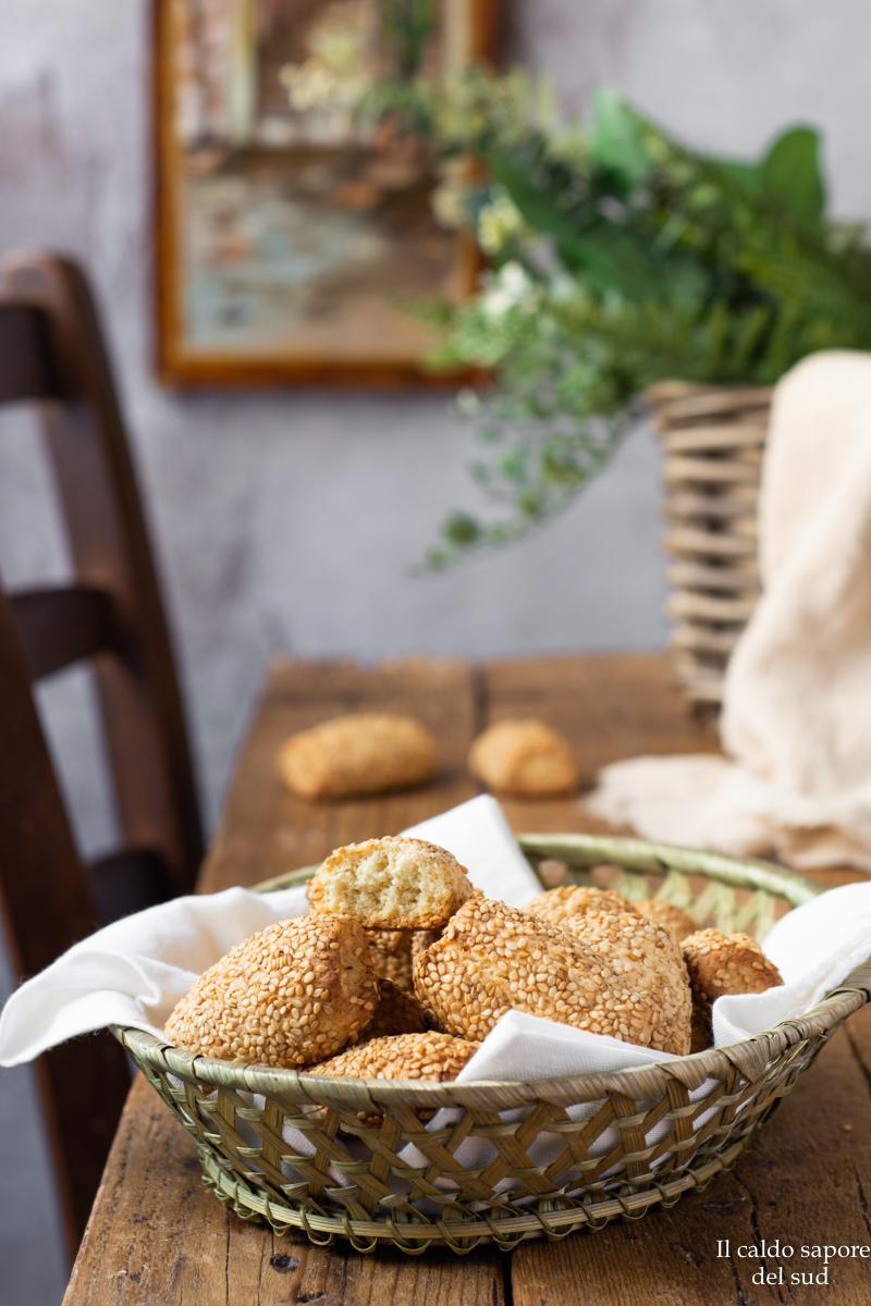 Biscotti cca ciciulena