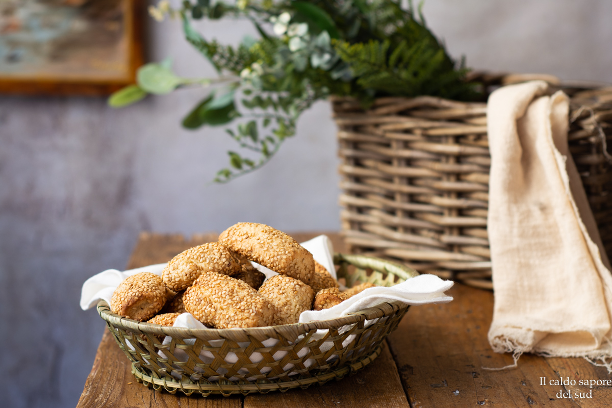 Biscotti siciliani con i semi di sesamo reginelle