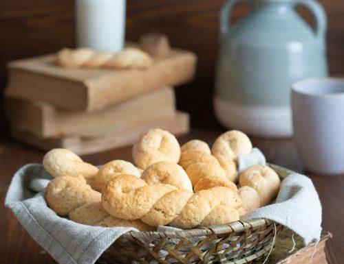 Biscotti a treccia siciliani ricetta con ammoniaca