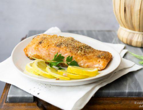 Filetto di salmone al forno gratinato al limone