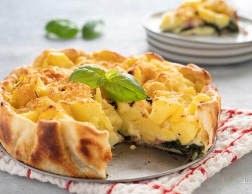 Torta di pasta sfoglia con patate e spinaci