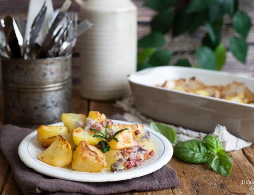 Patate al forno alla pancetta e rosmarino
