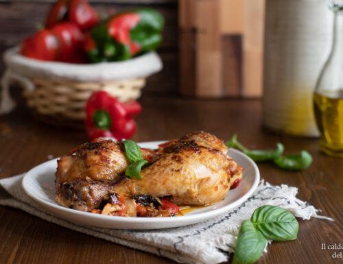 Pollo al forno con peperoni e cipolle