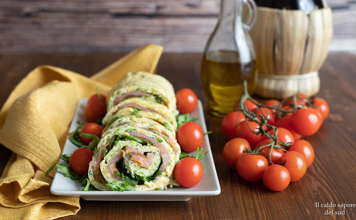 Rotolo di frittata alle zucchine con salmone e rucola