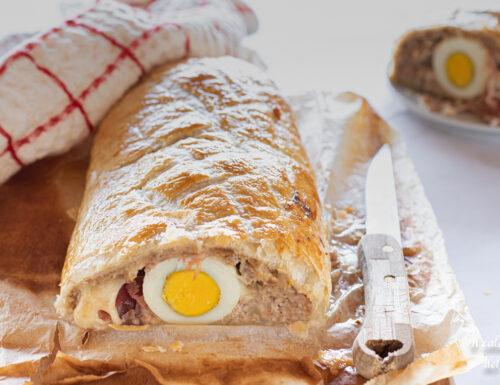 Polpettone in crosta con speck provola e uova sode