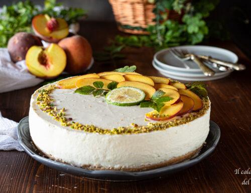 Cheesecake alle pesche con mascarpone panna e yogurt