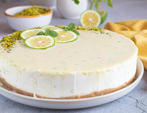 Torta fredda allo yogurt e limone con cioccolato bianco