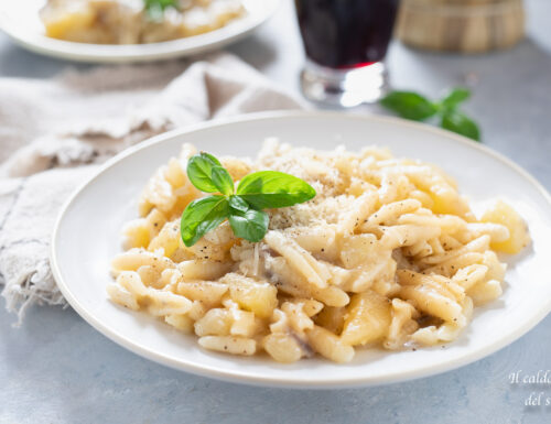 Pasta e patate cremosa con parmigiano e pepe nero