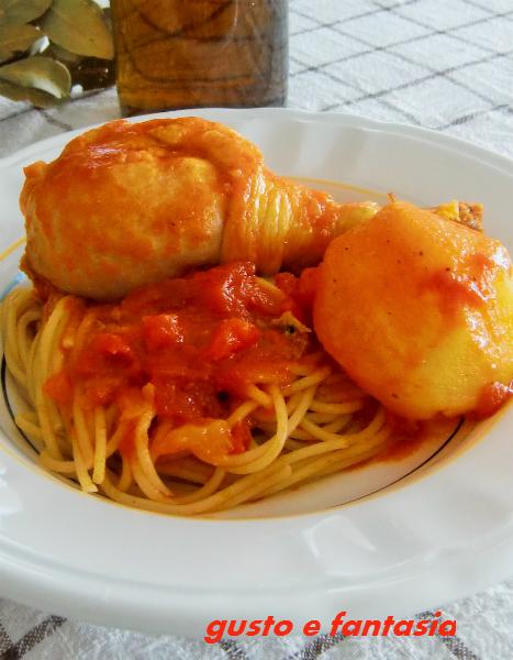 pasta con sugo di pollo e patate ricetta pantesca