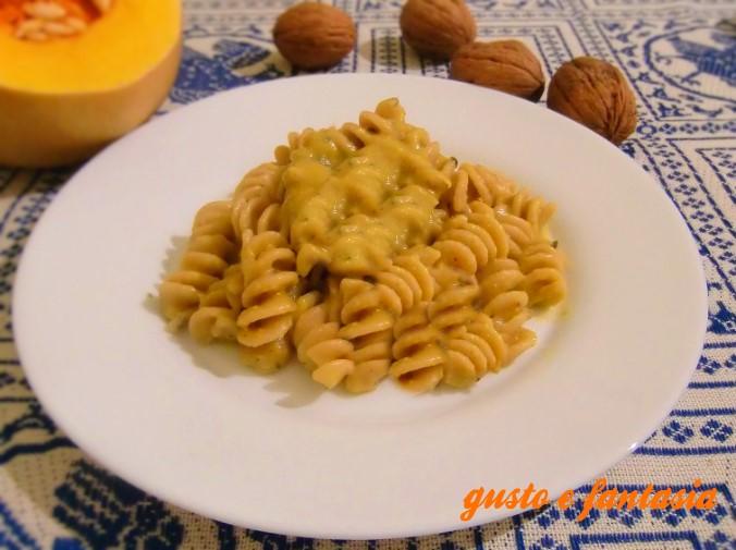pasta con crema di zucca gorgonzola e noci