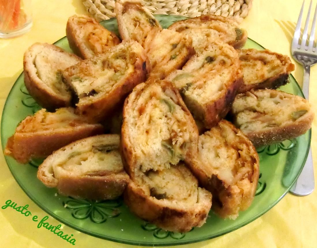 rotolo di pan brioche salato alla pizzaiola
