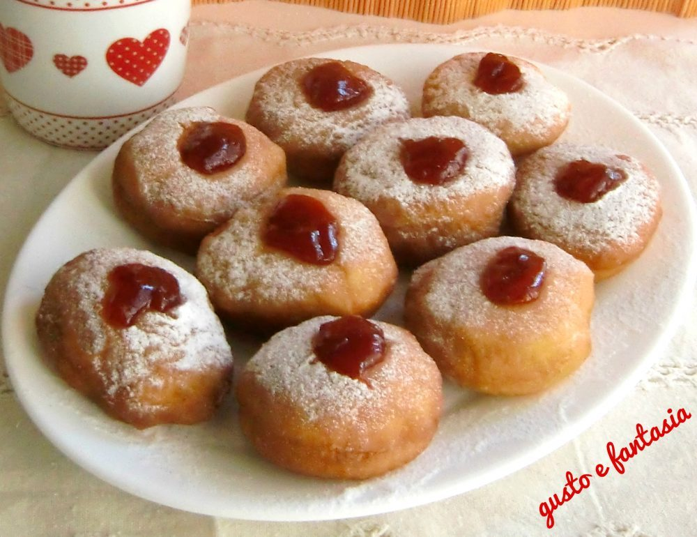 sufganiot dolci di hanukkah ( bomboloni )