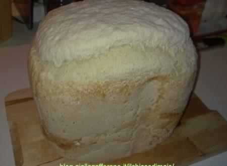 Pane senza glutine (ricetta con la macchina del pane)