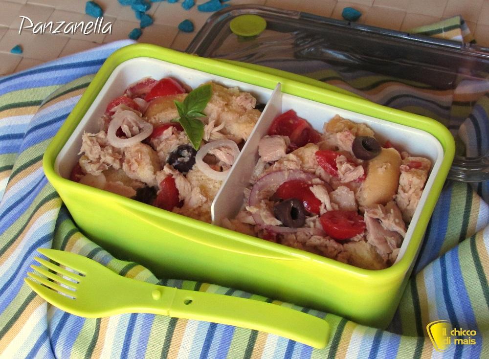 Panzanella ricetta povera ma ricca cibo da portare in spiaggia o picnic