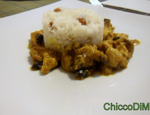Curry di pollo e melanzane con riso pilaf