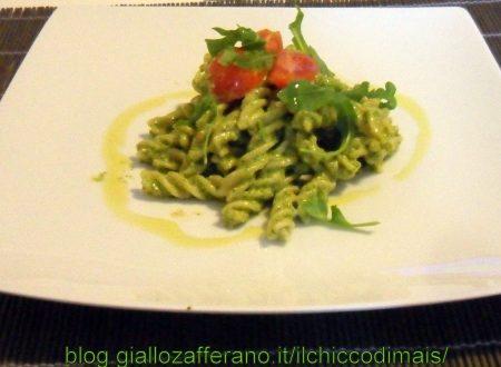 Fusilli al pesto di rucola (ricetta vegetariana)