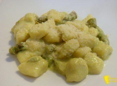 Gnocchi alla crema di asparagi e stracchino
