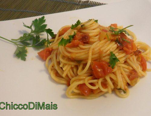 Pasta ai quattro pomodorini (ricetta estiva)