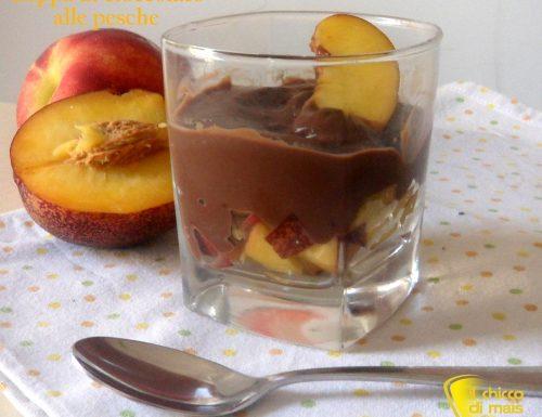 Coppa di cioccolato alle pesche (ricetta veloce)