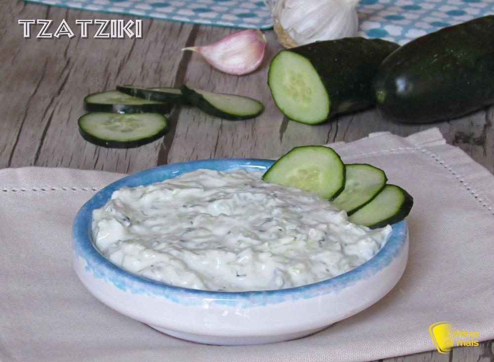 raccolta di salse Tzatziki ricetta originale della salsa greca allo yogurt e cetrioli il chicco di mais