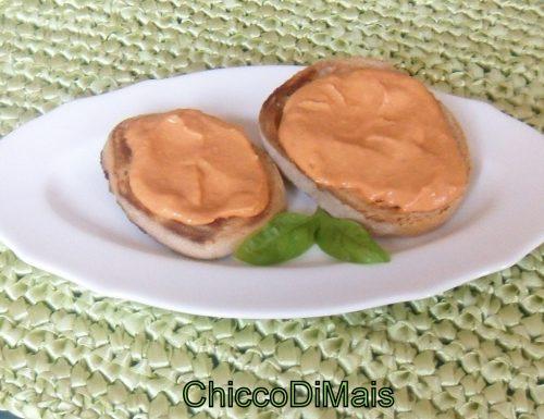 Crostini con crema di pomodoro (ricetta del riciclo)