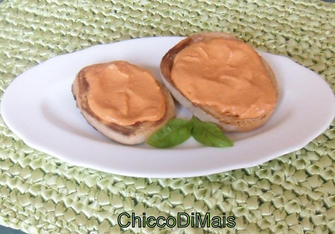 crostini con crema di pomodoro ricetta del riciclo il chicco di mais