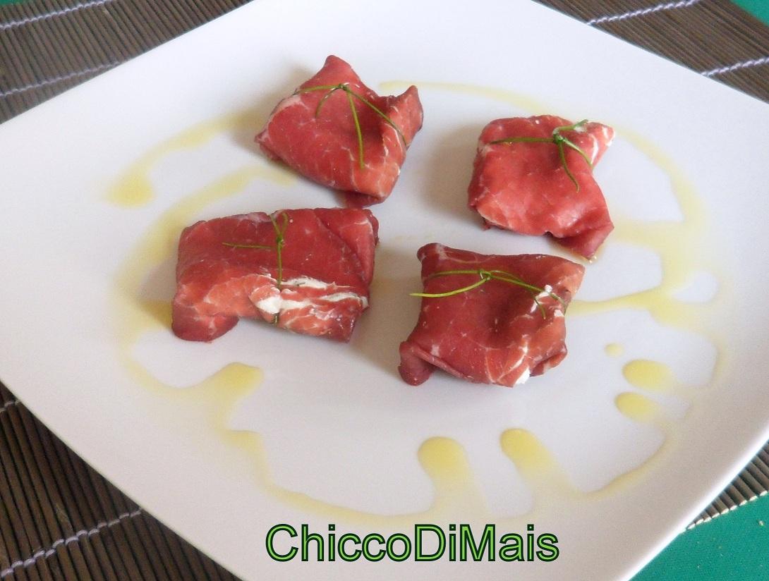 pacchetti di bresaola con formaggio alle erbe ricetta finger-food il chicco di mais
